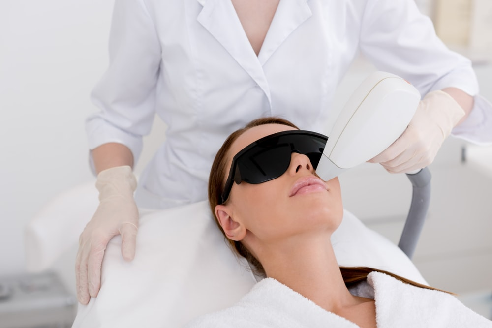 5 Pros and Cons of Laser Hair Removal blog post